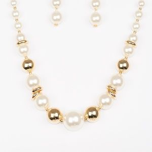 New York Nightlife - Gold Necklace